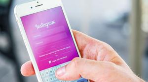 instagram_ads_smartphone