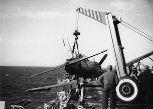 Crash of a Vought F4U-7 Corsair on the French aircraft carrier La Fayette (R96) in 1962