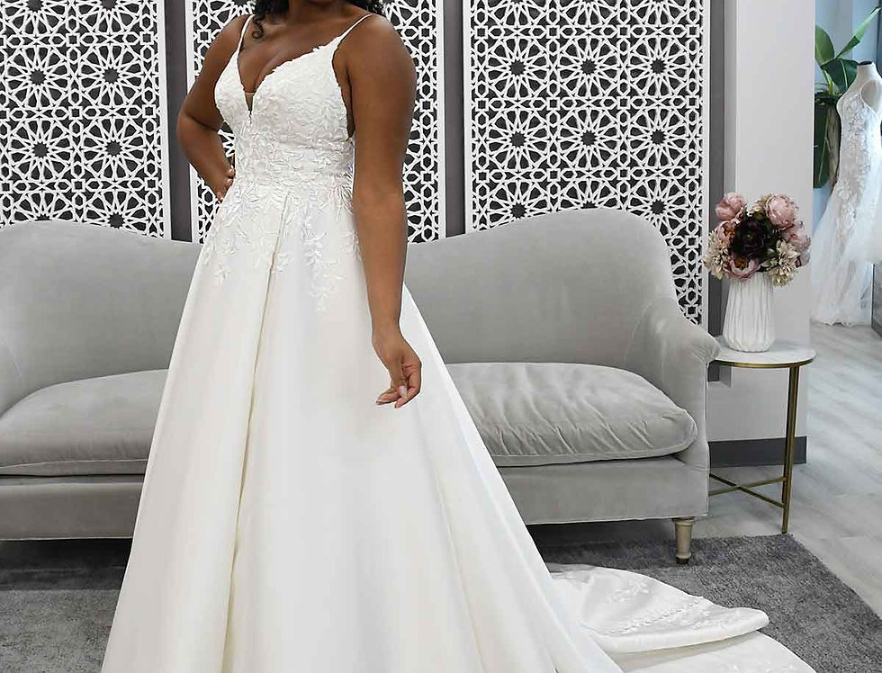 STELLA YORK 7048 BALLGOWN PRINCESS WEDDING DRESS