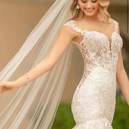 Dress of the week, purchase this Stella York wedding dress between 11/05/22 & 18/05/21