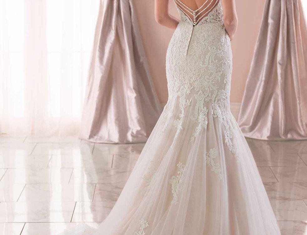 Stella York 6793, Wedding Dress, Mermaid, Fit and Flare size 16