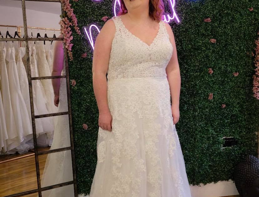WEDDING DRESS, STELLA YORK- SIZE 28