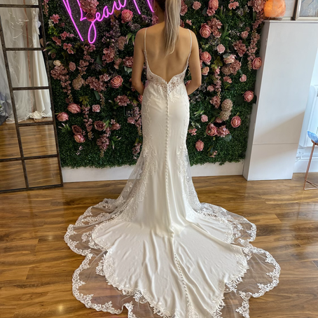 Dress of the week, purchase this Stella York wedding dress between 19/04/21 to 25/04/21 for 10% off.
