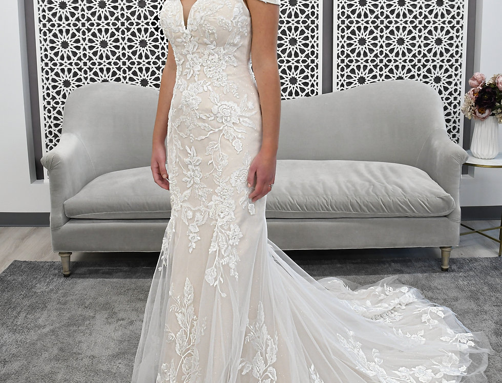 STELLA YORK 7272 FIT AND FLARE WEDDING DRESS