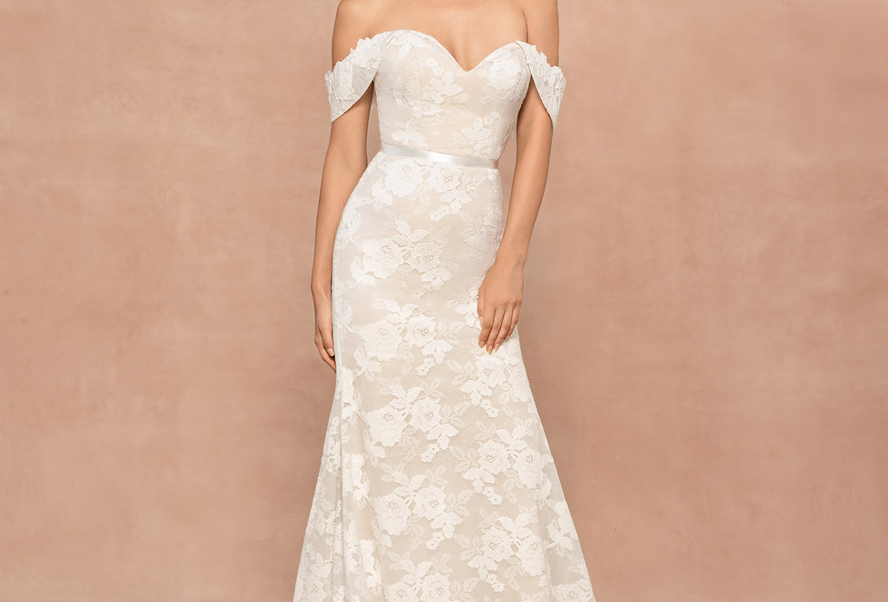 BLUSH BY HAYLEY PAIGE FORD WEDDING DRESS FITTED, MERMAID SIZE 14