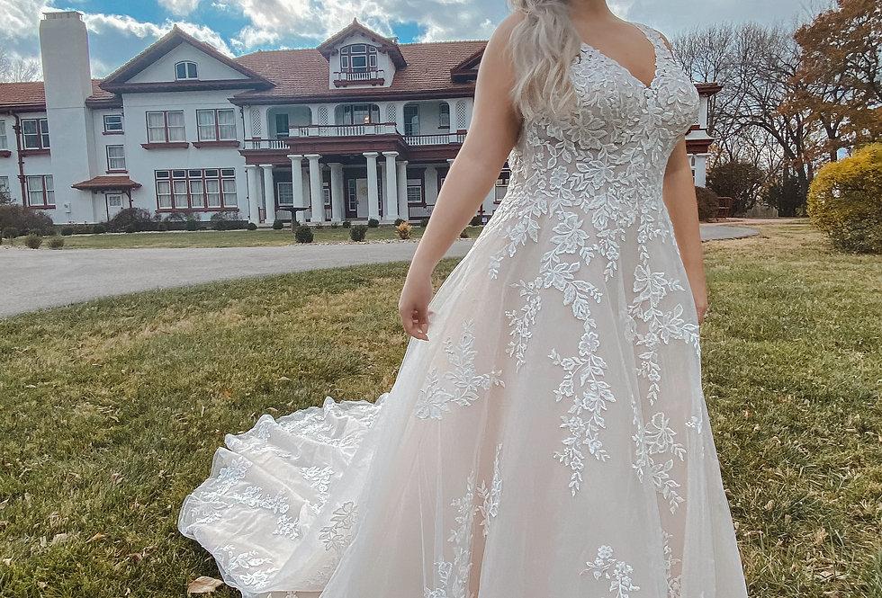 STELLA YORK 7169 ALINE, PRINCESS WEDDING DRESS