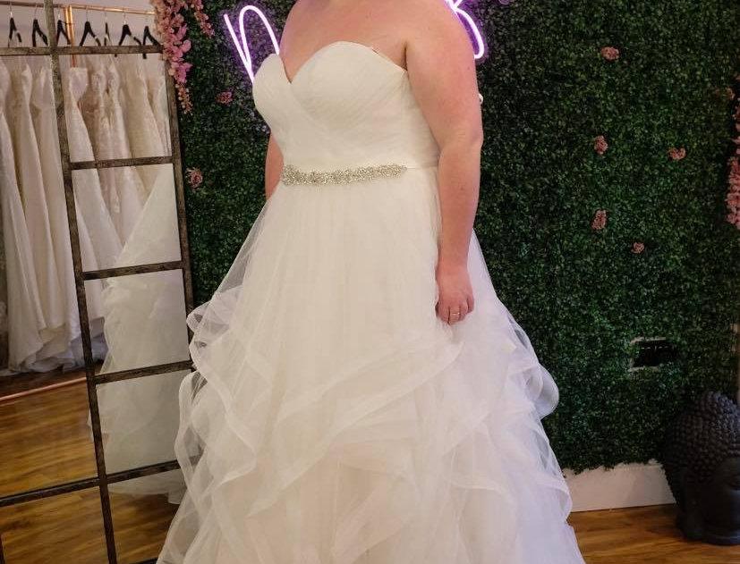 STELLA YORK WEDDING DRESS PLUS SIZE 20 PRINCESS, BALLGOWN