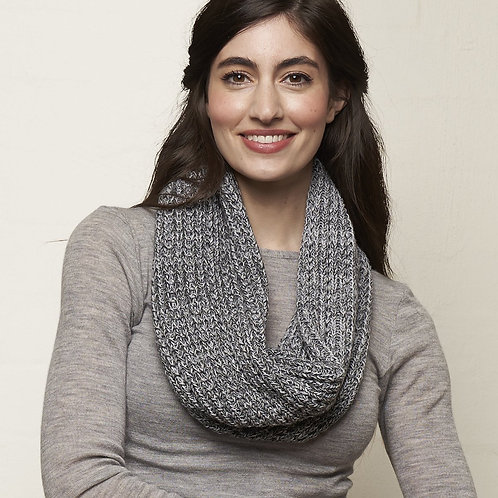 Knitted loop scarf -greys