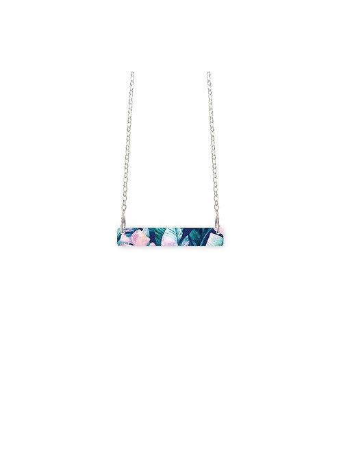Moe Moe Banana Leaf Elements Small Bar necklace