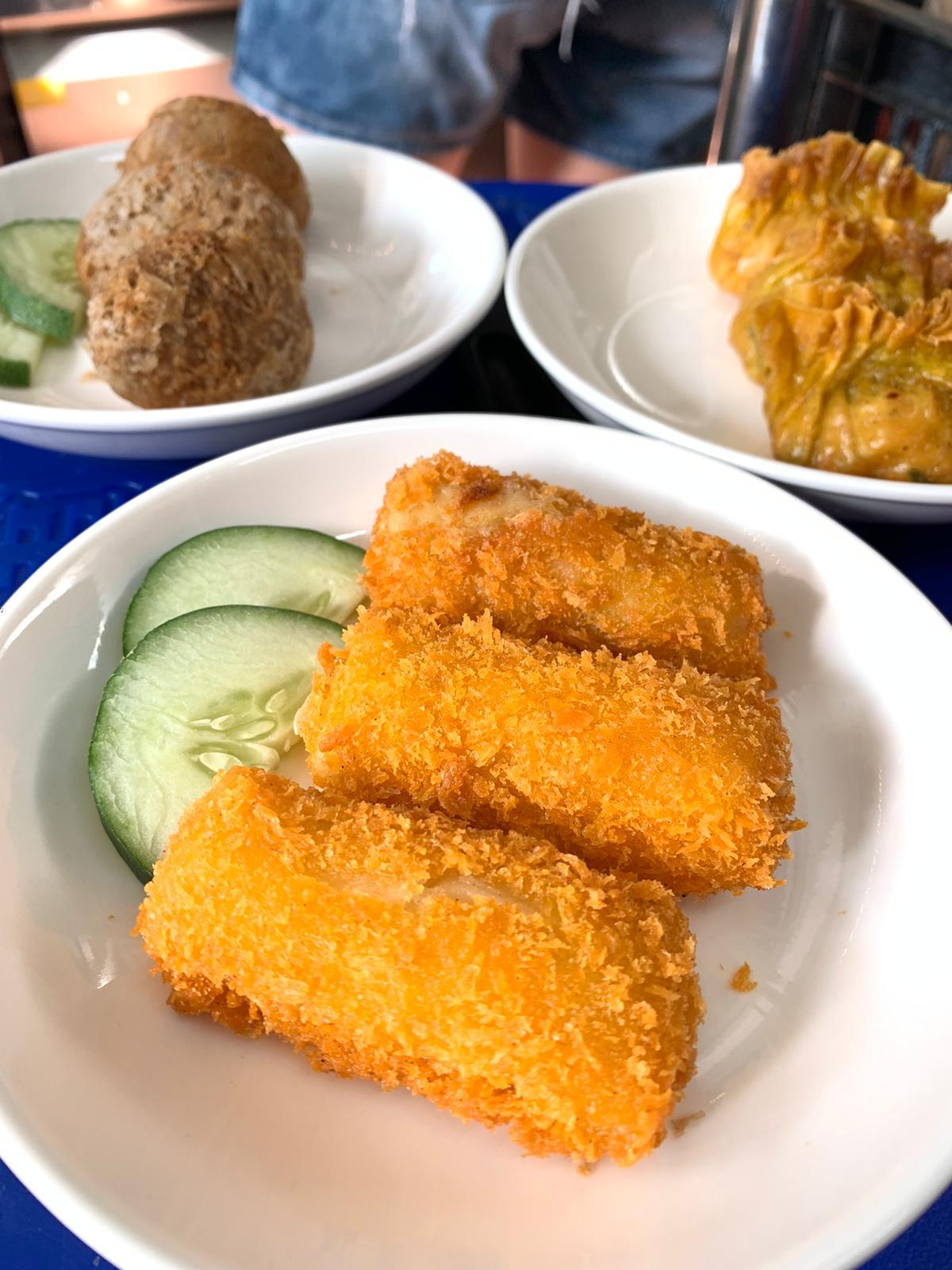 Salad Mango prawn Roll 2