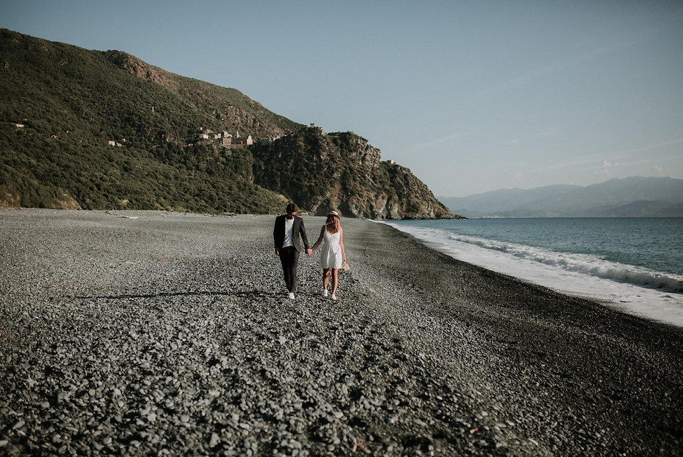 seance-couple-engagement-corse-plage-non