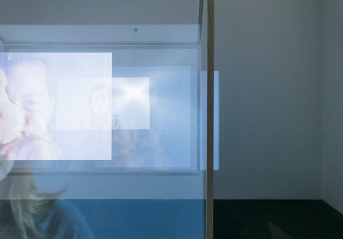 outer-space-linda-clarke-exhibition-docu