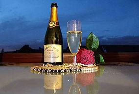 Beste Champagner serviert zu Tisch