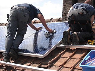 solar-panels-944000_640.jpg