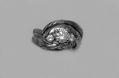 Min Jee Ring