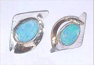 Ciara 14kt Opal Earrings