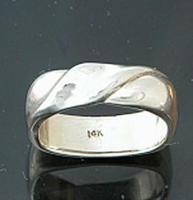 Ellison Ring