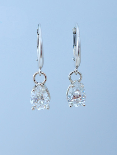 Victoria 2ct drop earrings