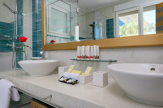 Bedroom-1-Bathroom-2.jp2