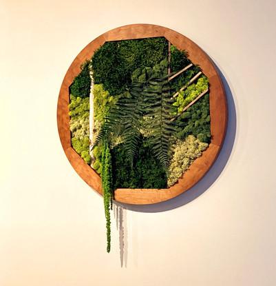 Custom Round moss frame