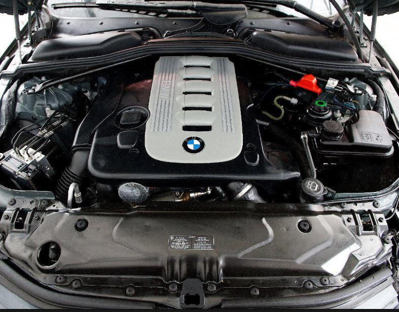Motor und Chassis reinigen