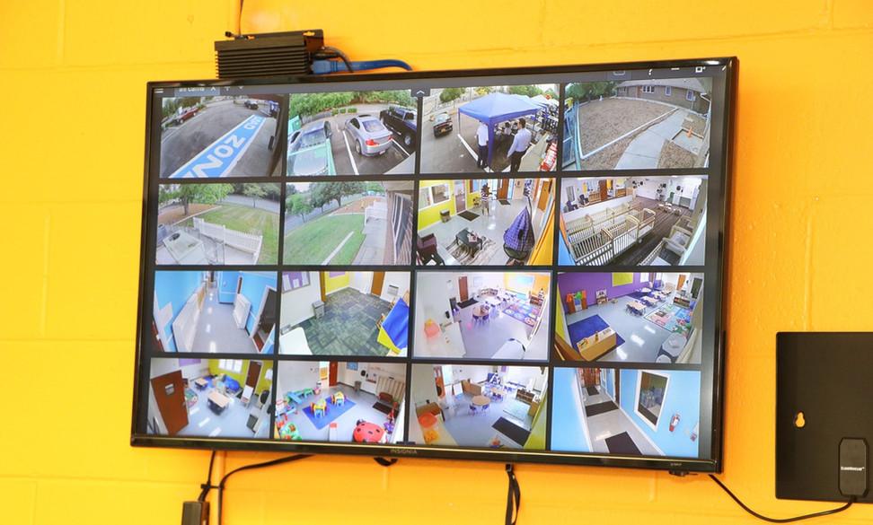 videoscreens.jpg