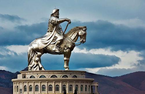 chinggis khan statue mongolia.jpg