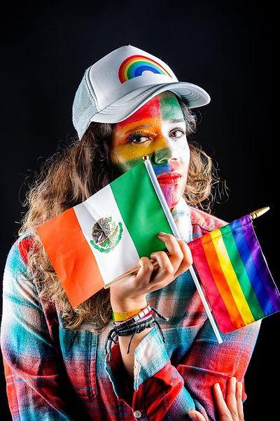 Mujer, lesbiana, Mexicana. Luchando por igualdad de derechos para las mujeres diversas.