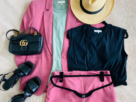 How to wear a short suit set