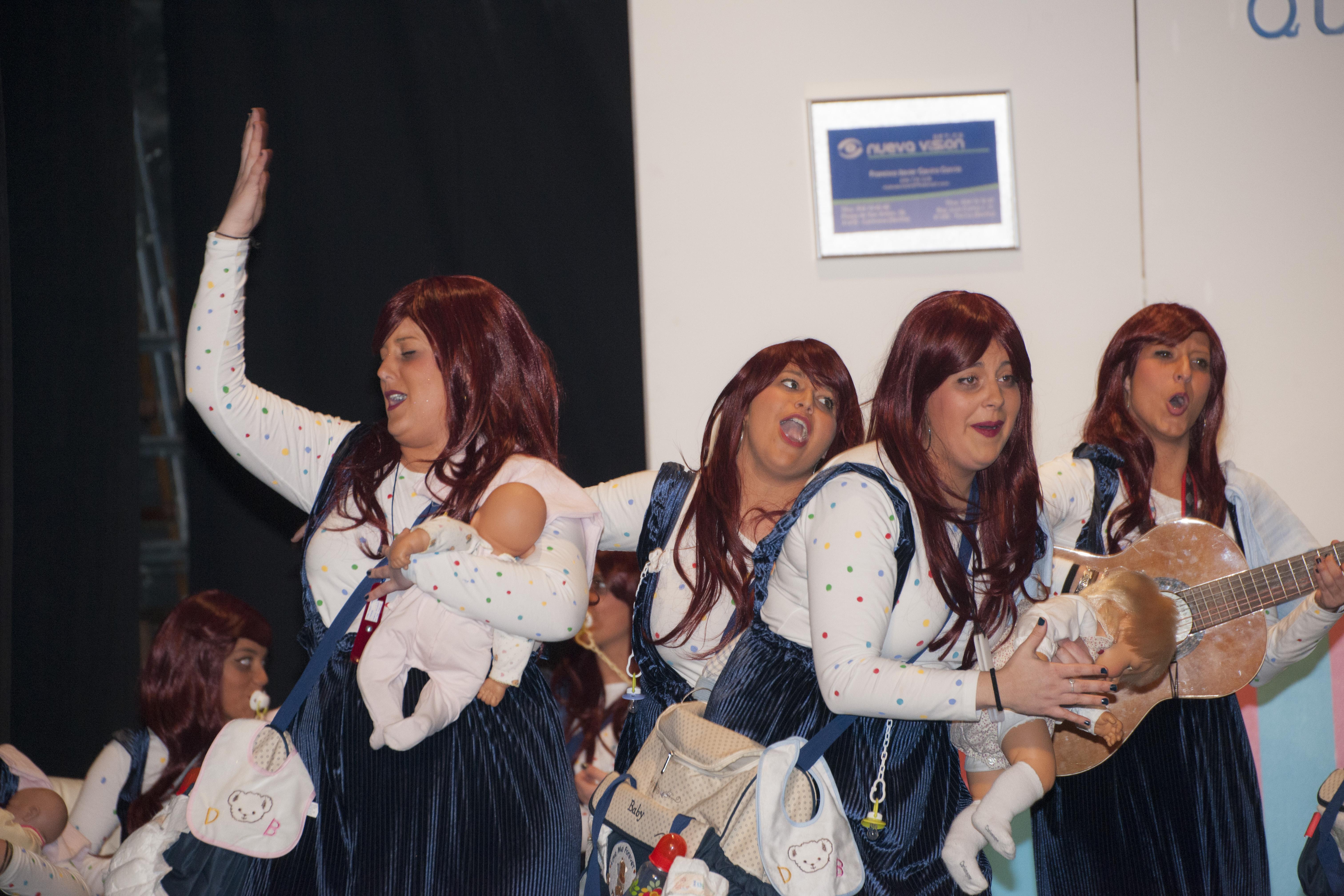Chirigota Se busca abuela que no sea carnavalera (Carmona)004