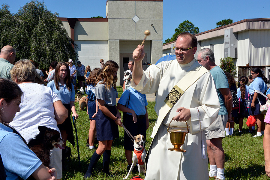100314 ND Blessing Of The Pets and Statue 026.jpg