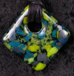 green-bluediamond pendant
