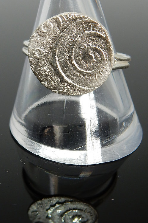 Round swirl pattern imprinted Silver ClayRing