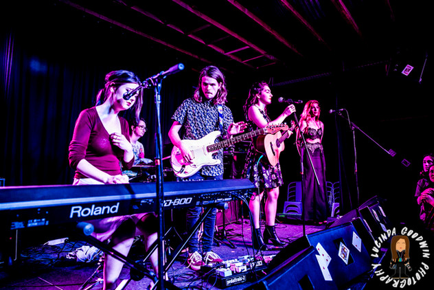 LG__20161028_00102_Isabella_Khalife_Band_Roulette___Workers_Club,_Geelong