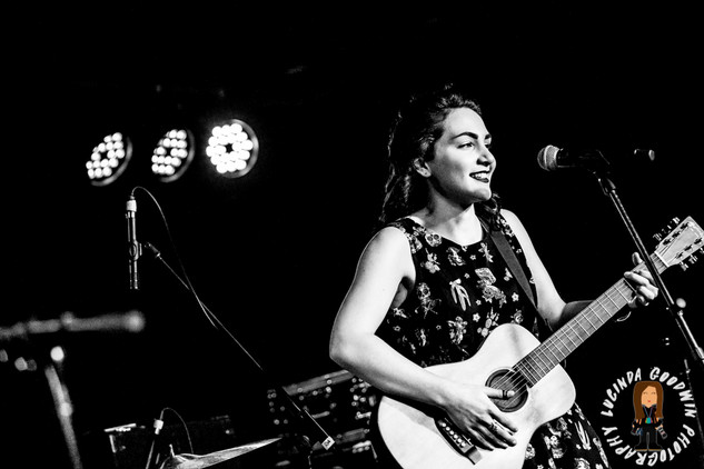 LG__20161028_00114_Isabella_Khalife_Band_Roulette___Workers_Club,_Geelong