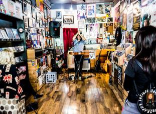 TIM HULSMAN @ REAL MUSIC VINYL & CDS, GEELONG