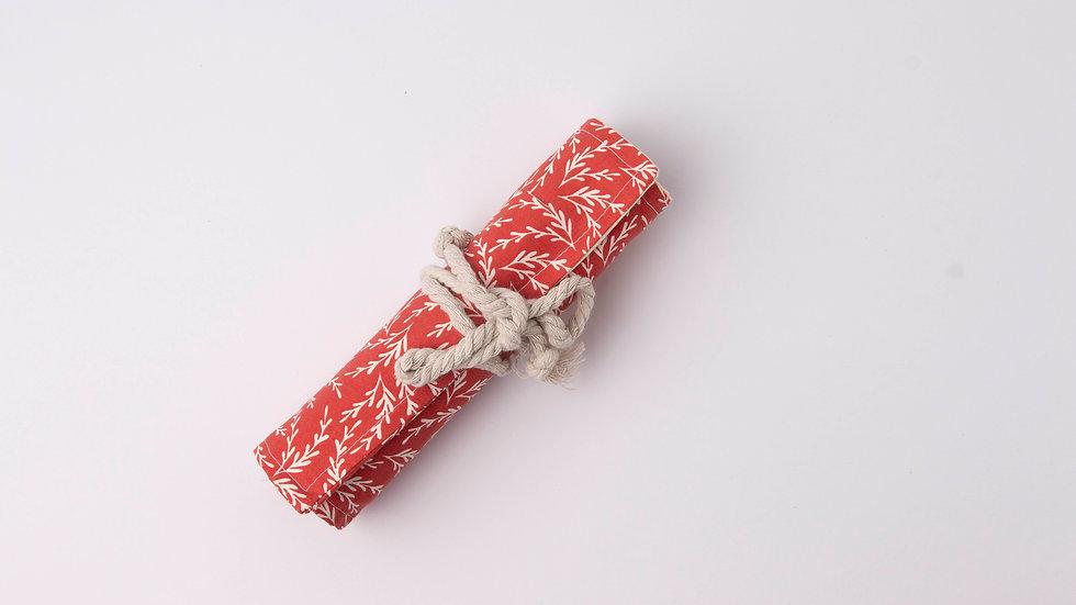 Pencil Roll - Rust vines