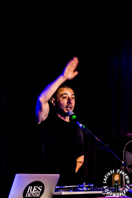 LG__20160903_00132_L_-_Fresh_The_Lion___Workers_Club,_Geelong