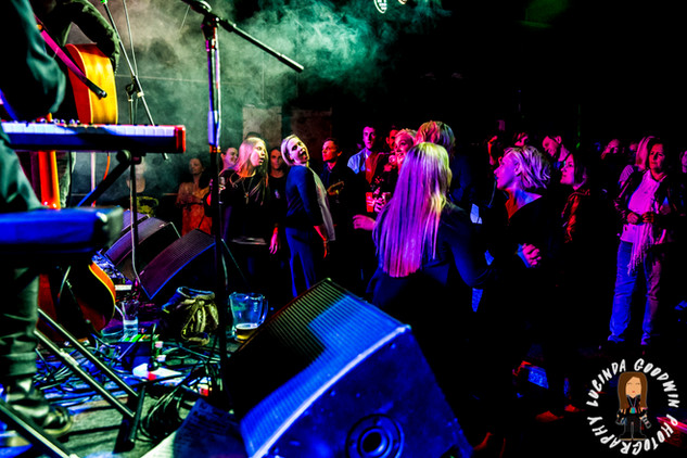 LG__20160902_00115_Famous_Will_Farewell_for_now___Workers_Club,_Geelong