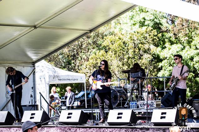 LG__20161008_00127_Izzy_Losi_&_The_Auracles___Birregurra_Festival_2016