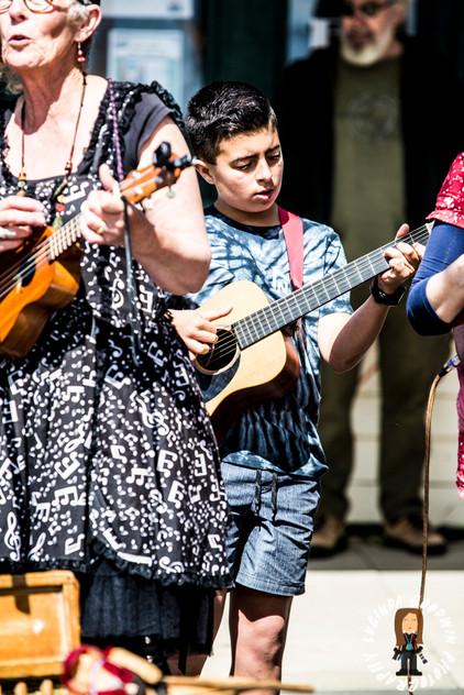 LG__20161008_00026_Ukes_D'Jour___Birregurra_Festival_2016