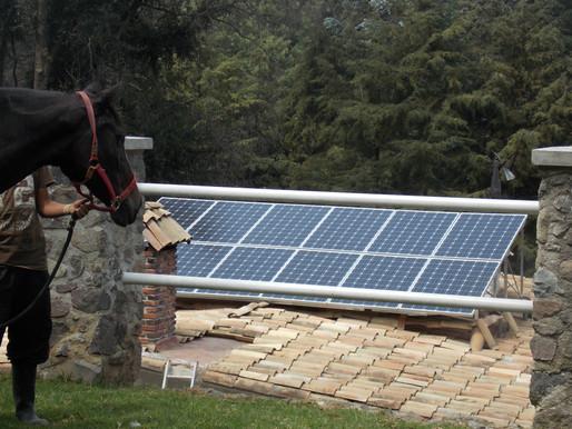 ¿Cómo funcionan los paneles solares aislados?