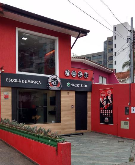 Escola de Música Bateras Beat Santo Amaro SP Zona Sul. Aqui a batida é mais forte!