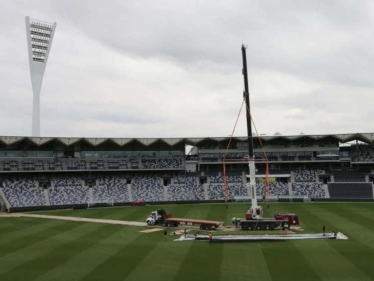 Associated Rigging Crane Hire - Cricket Pitch