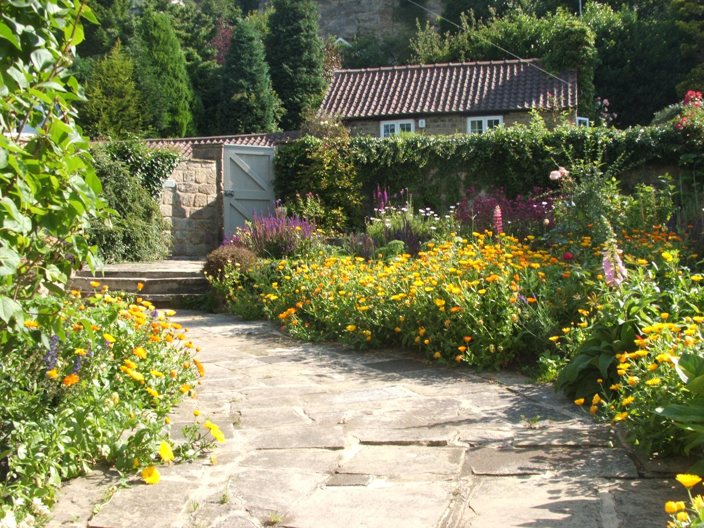 Yorkshire Garden Designs by Lorna Batchelor