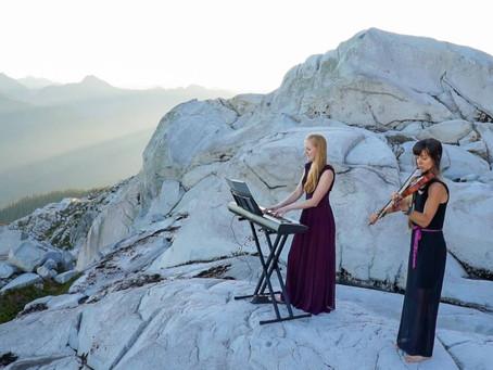 Die musizierenden Bergwanderinnen: Gib der Wildnis eine Klangspur des Lebens