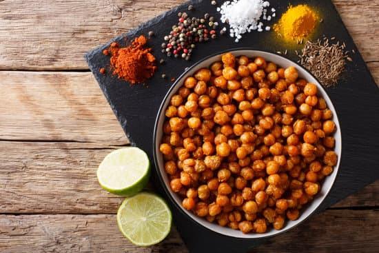 PURE! Das digitale Magazin: Kichererbsen-Crunchies: Der gesunde Kinoabend Snack