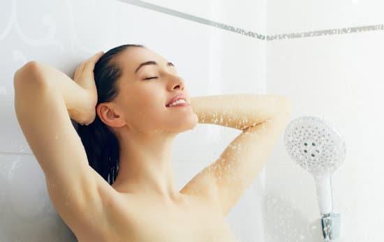PURE! Das digitale Magazin - Kalt duschen auf Yogisch