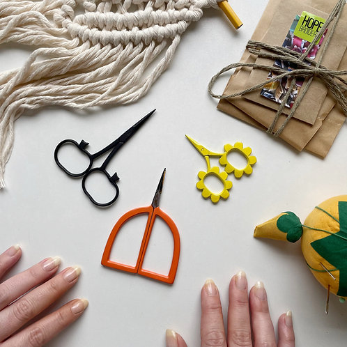 Embroidery Scissor Pack (Fall/Autumn themed)