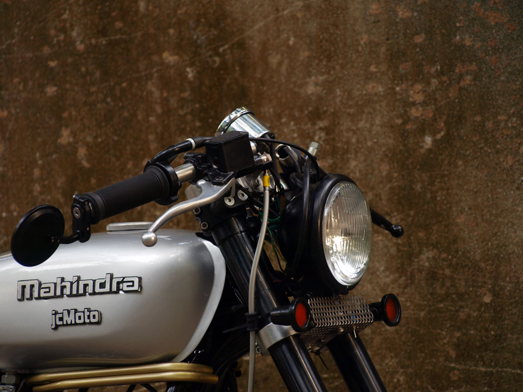 mahindra_detail_2